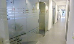 Foto einer Glasbeklebung für die MA6